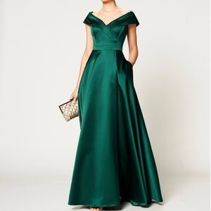 Xscape Emerald green dress